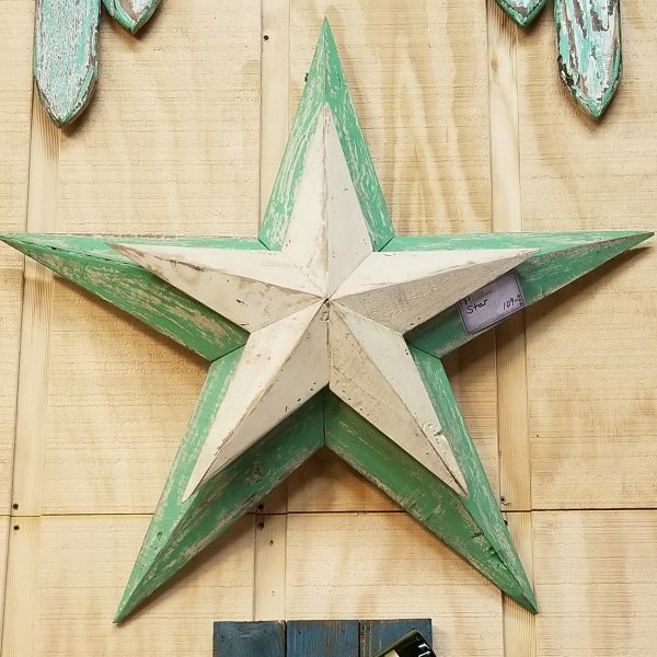 DISTRESSED STAR RECLAIMED WOOD
