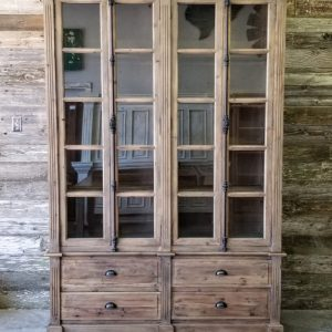 Bookcases & Cabinets