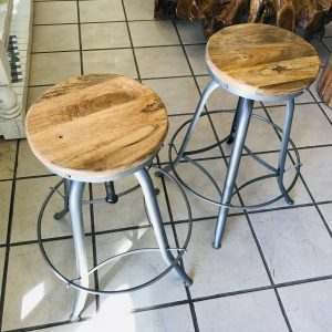 ADJUSTABLE MANGO STOOLS